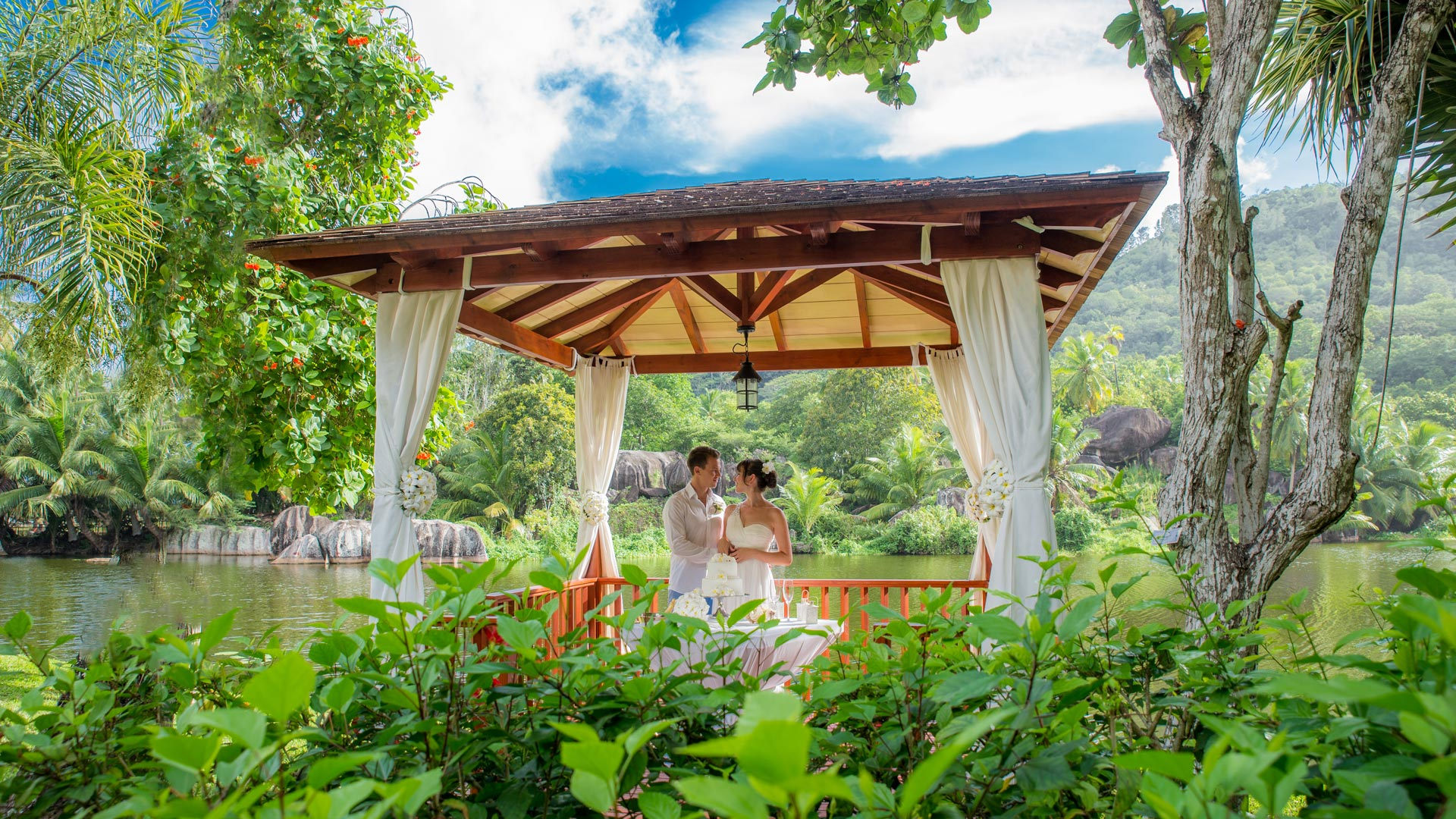lagoon-wedding-at-kempinski-seychelles